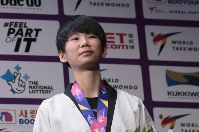 第一次参加世界跆拳道锦标赛 江西女将站上领奖台