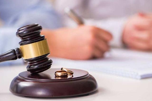 女子将房产过户给母亲 被债主告上法庭