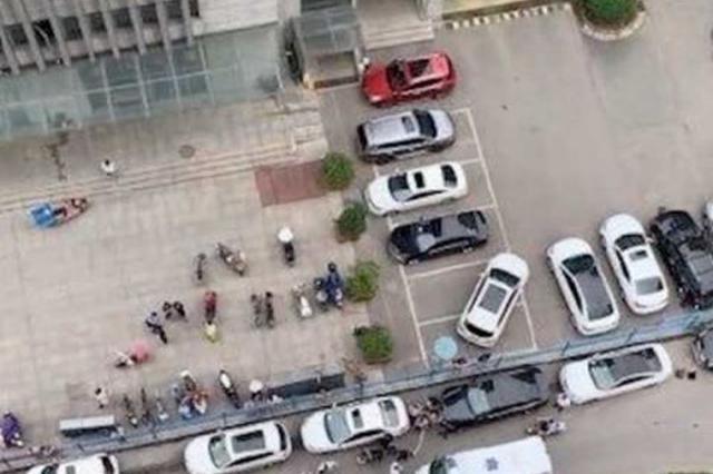 10岁女孩被高空坠物砸中重伤 警方:8岁男童所为