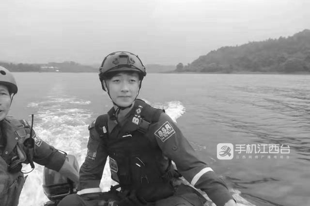救援返回途中出车祸 江西19岁志愿者不幸离世