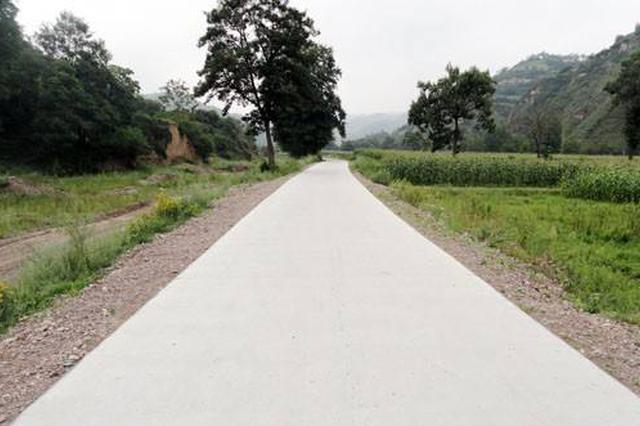 江西加速改建农村公路 确保年底所有村小组都通水泥路