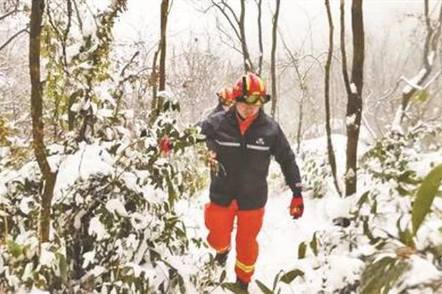 消防员救援落水父子遇难 战友:他柜子里全是跌打药