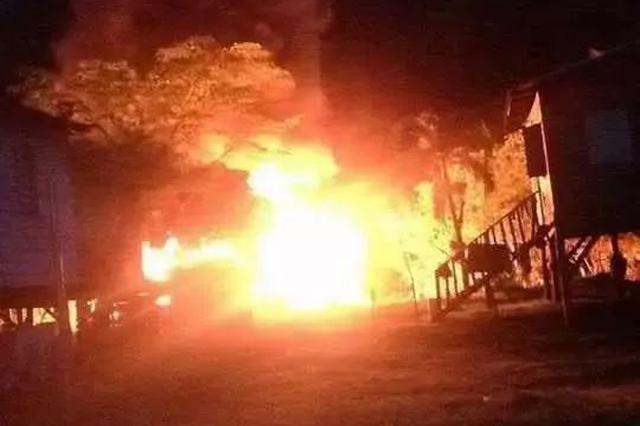 為看消防員滅火 熊孩子放火燒了12所房子…