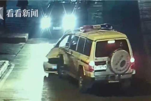 """无证驾驶撞伤4名交警后逃逸 """"疯狂司机""""被刑拘"""