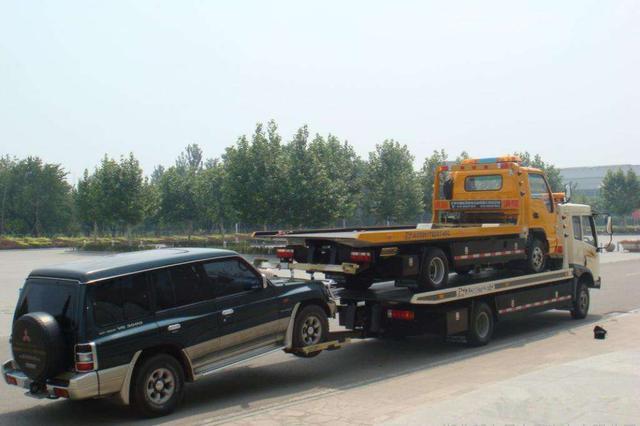 江西高速拖车1小时完成 一类车救援160元/10公里