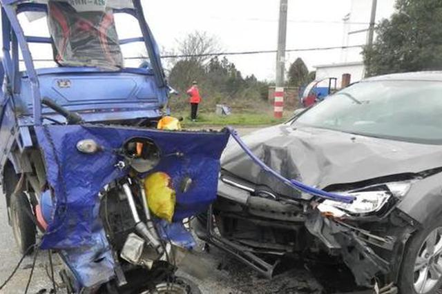 事发抚州!开车捡手机 致1人死亡