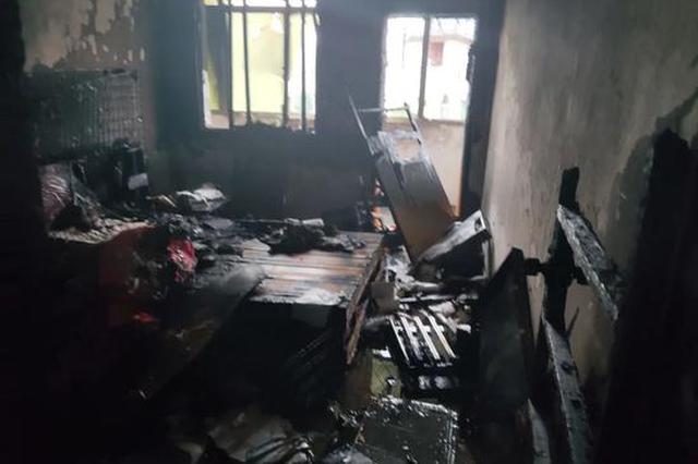 宜春一居民家中着火 8岁机智小男孩敲开邻居家门…