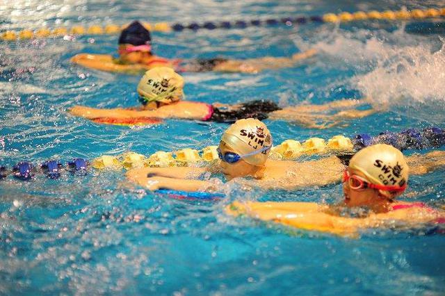 南昌启动千名学生免费游泳培训活动 今日15时开始报名