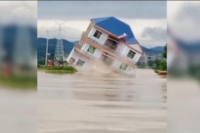 鄱阳县多栋楼房被洪水冲毁 村民提前转移无人伤亡