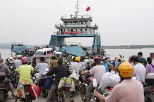 48小时转移4000多名群众 江西鄱阳县江洲岛最后的撤离