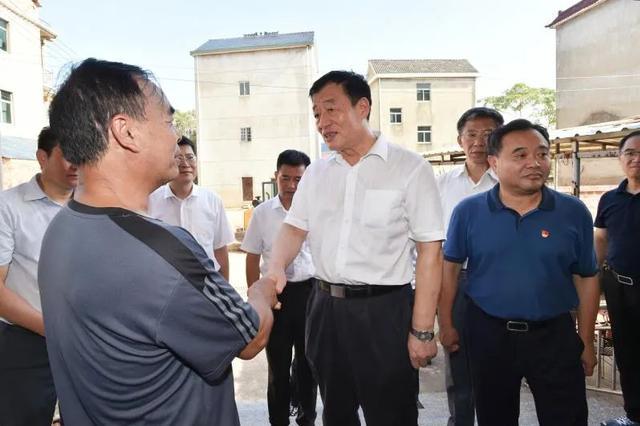 省委书记刘奇在鄱阳县调研指导灾后重建工作