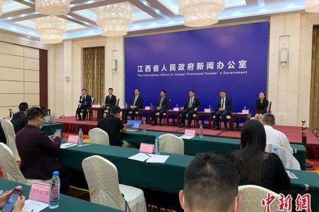 江西民营企业家:要以国际化视野来参与国际竞争与合作