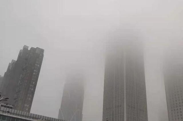 受大雾天气影响 江西数十条高速路段封闭