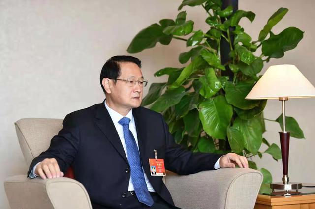 图为全国人大代表、江西省委副书记、省长易炼红。江西日报记者 林君摄