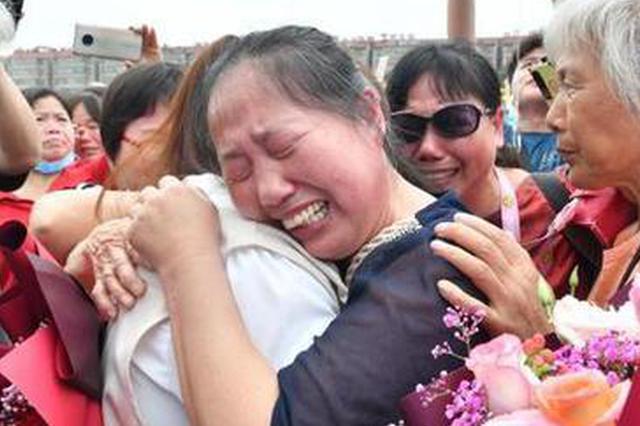 """進賢(xian)女童失散(san)34年 跨越千里(li)""""兒(er)童節""""家鄉團聚"""