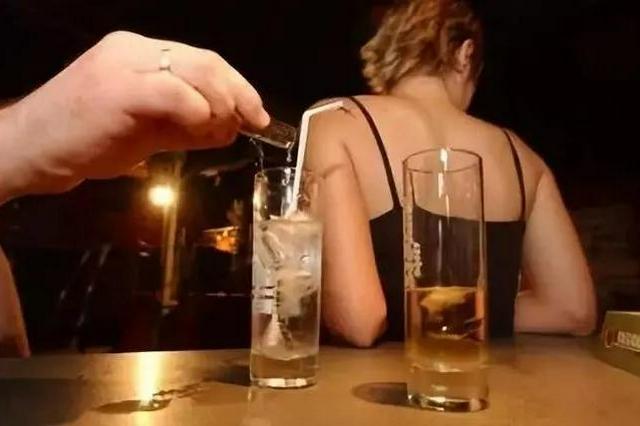 江西2名男子为与足疗师发生关系 竟向其饮料中投放毒品