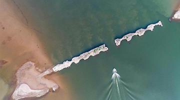江西仙女湖水位降低 水下古城显遗址