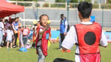 南昌萌娃和家长共享亲子趣味运动乐趣