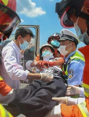 江西高速开展陆空一体综合应急救援演练