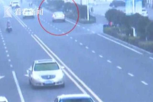 新手女司机雾天撞倒孕妇逃逸:学车没教过除车窗雾