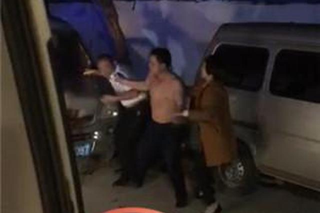 醉酒男子因嫌救护车来晚殴打司机 医生护士被吓跑