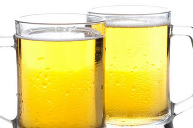 进口啤酒生产日期是5年前 商家篡改标签后仍外销