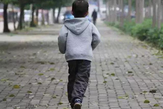鹰潭一男孩年三十离家出走 徒步4个多小时找奶奶