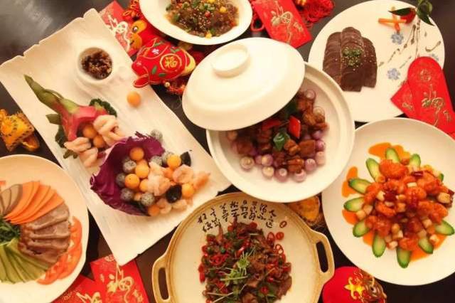 春节剩菜剩饭倒掉太浪费 这样处理最安全