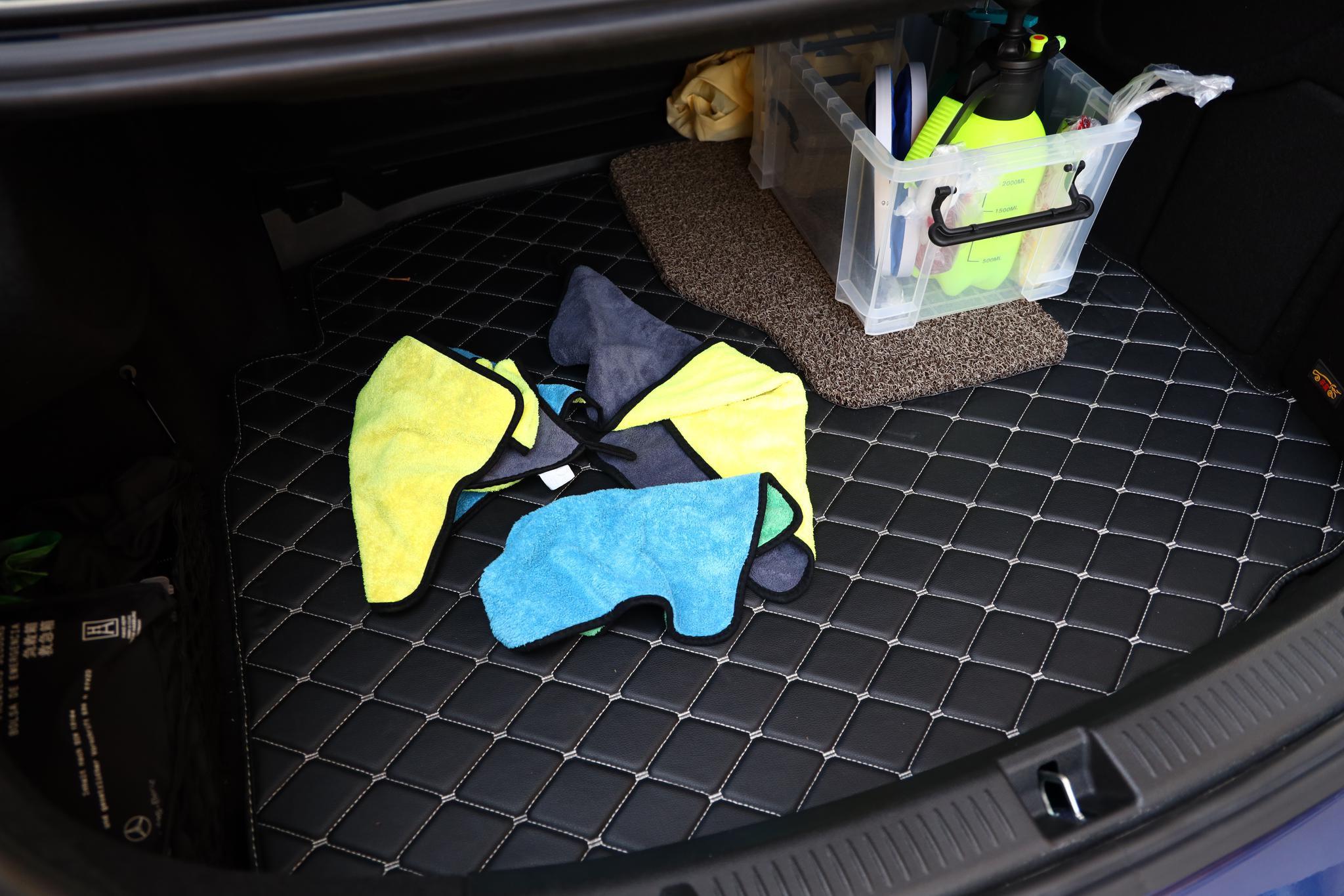 后备箱消毒,擦车毛巾置于后备箱中。