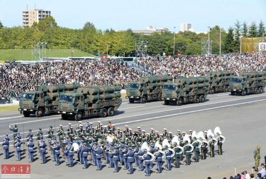 資料圖:日本自衛隊接受檢閱。新華社記者馬平攝