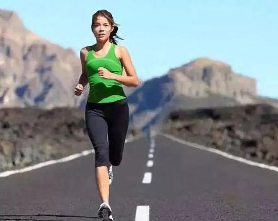 跑步到底让人显得年轻还是显老?