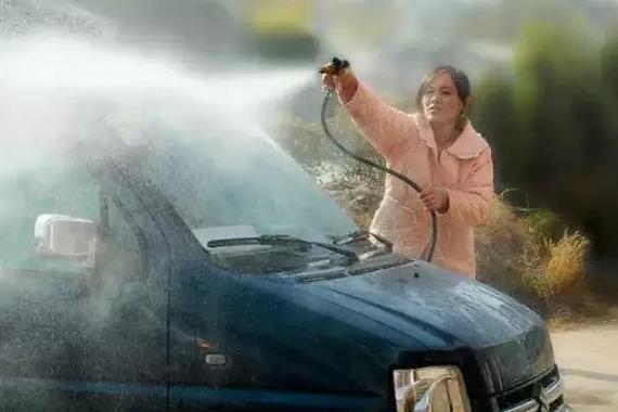 不洗车能省钱?一项养车费用成倍暴涨