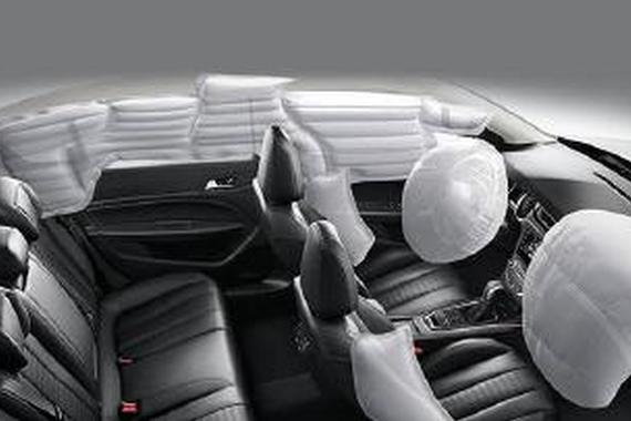 只卖8万 安全配置齐全带<em>电动天窗</em>的三款轿车