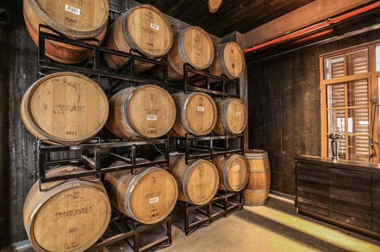 鹅岛精酿啤酒吧2楼-酒桶陈酿区