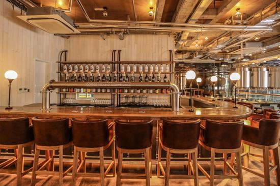 鹅岛精酿啤酒吧2楼-吧台区域