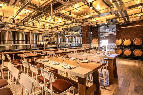 鹅岛精酿啤酒吧1楼-用餐区域