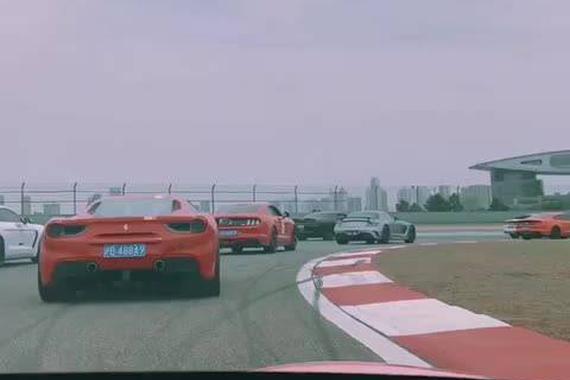 视频:2017英伦赛车节赛道镜头