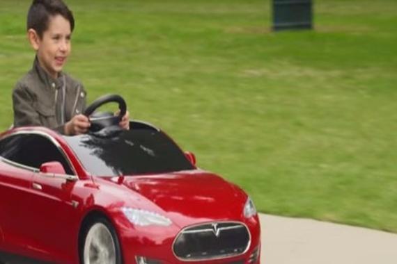 视频:儿童玩具版特斯拉Model S电动车