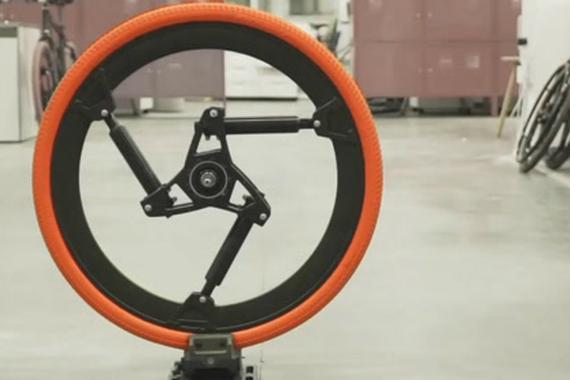 视频:农民发明的减震器,装在自行车轮上骑着比宝马还舒服