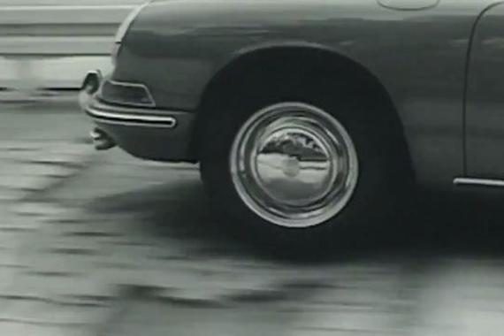 视频:保时捷为这20寸碳纤维车轮下足了功夫!