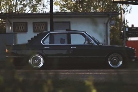 视频:经典老车:BMW E28