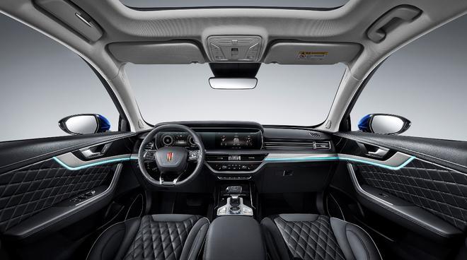 红旗品牌首款B级豪华SUV―HS5亮相上海车展 汽车殿堂