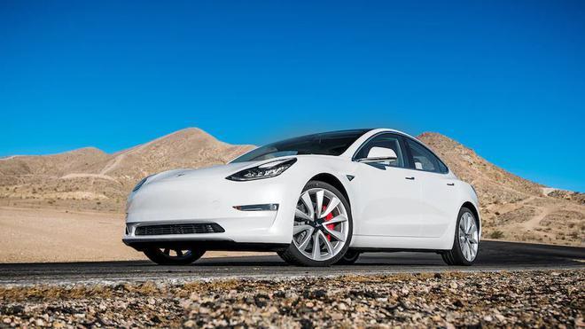 Model 3赛道不输保时捷Taycan Turbo S 价格却只有三分之一
