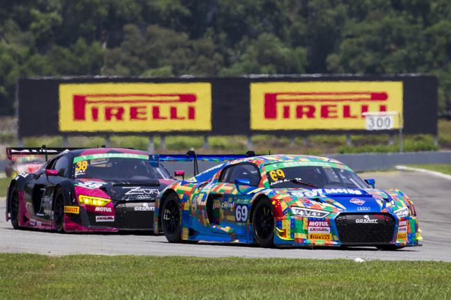 赛道英雄-壹 第四回合比赛 二三名车手贴身追逐