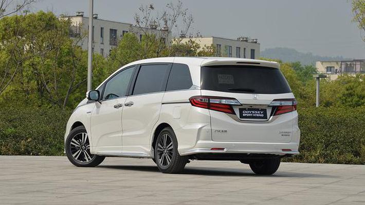 油耗低至5.8L,日系混动MPV车型如何选?
