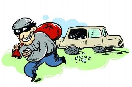辽宁一男子连砸10多辆车偷1万元 逃到大石桥被抓