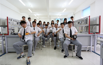 沈阳毕业生拍摄个性毕业照