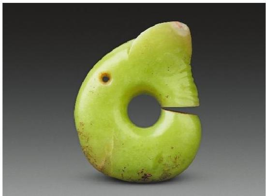 红山文化玉器见证中华五千年文明