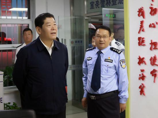 杨建军副市长检查调研节日安保 和营商环境建设工作