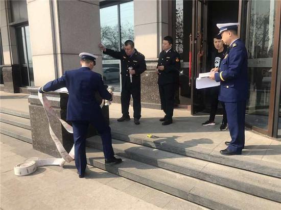 千山大队联合区市场监督管理局开展消防产品专项检查活动